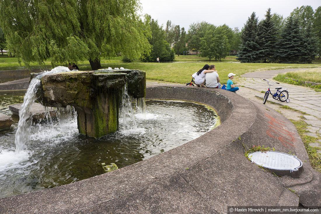 Старый парк, на которой всем наплевать.