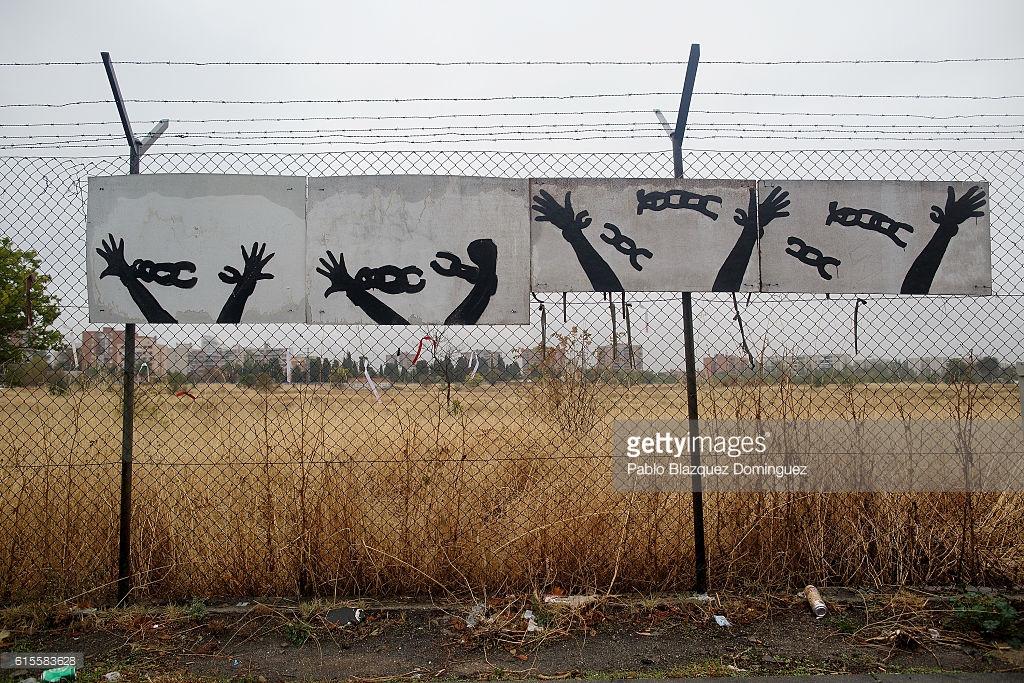Беларусь строит лагеря для мигрантов.