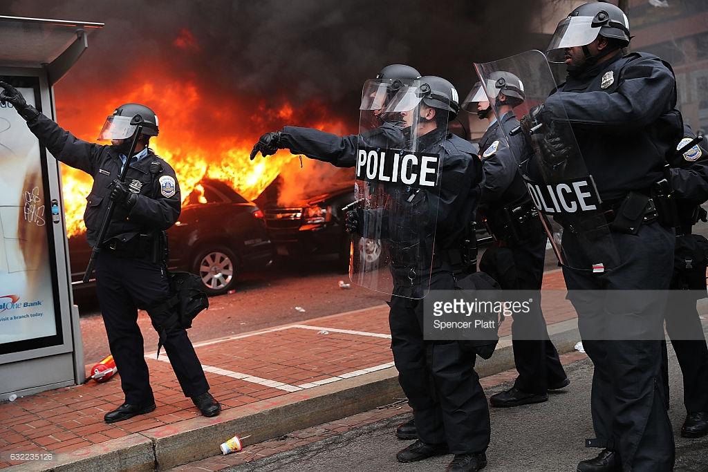 «Майдан в Вашингтоне» — протесты против Трампа.