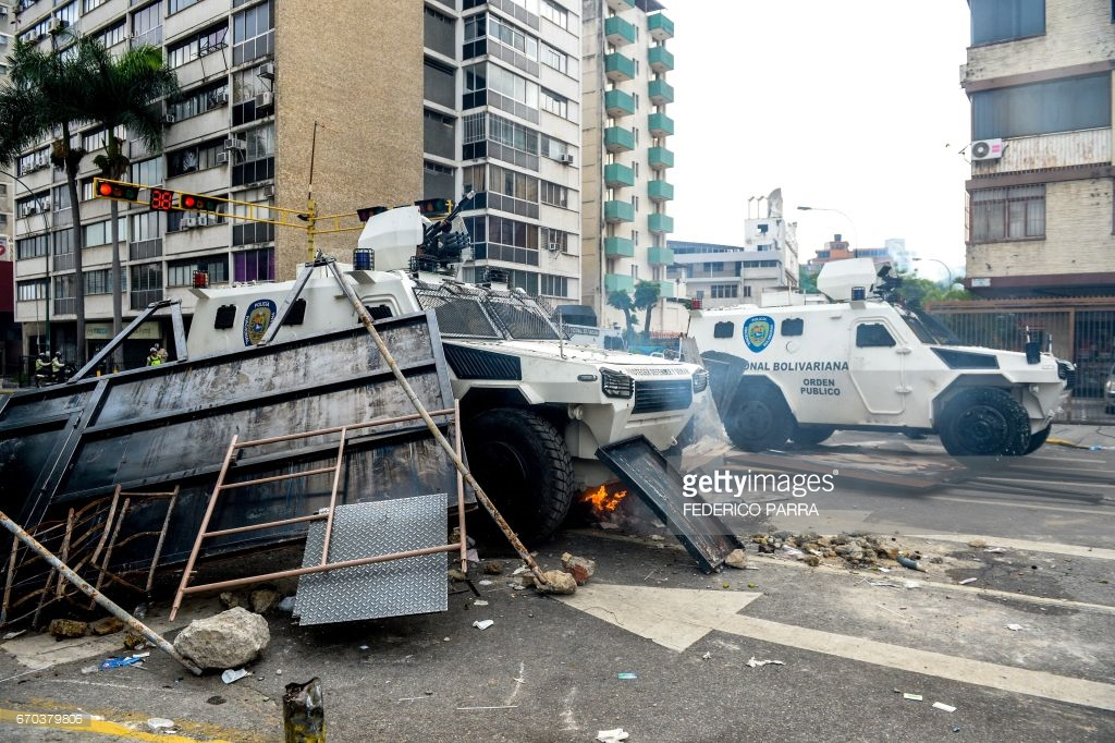 Арабская весна докатилась до Венесуэлы? Много фото