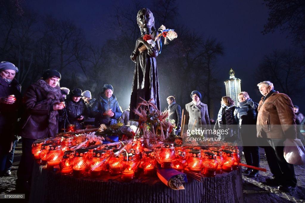 Украина вспоминает Голодомор (фото).