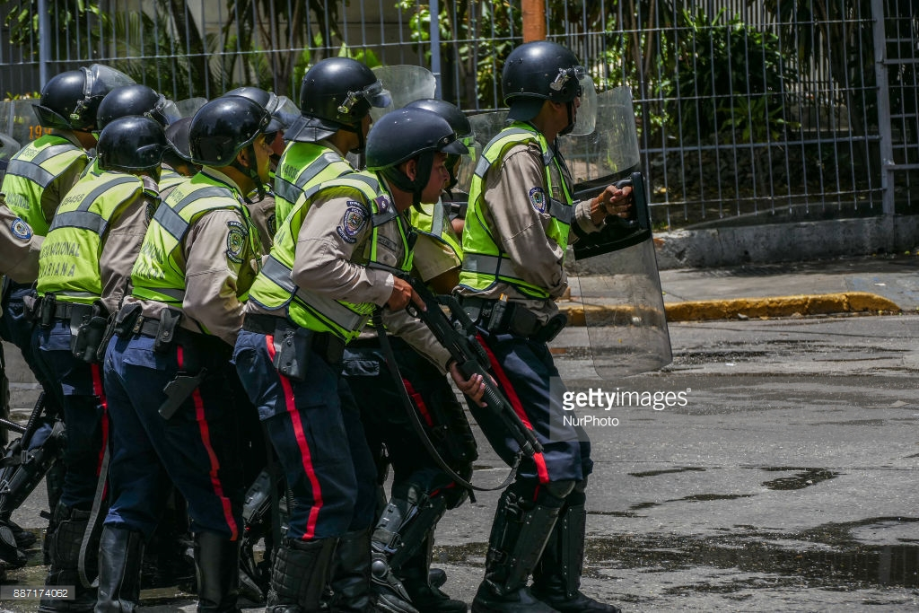 What do Venezuelans have? Everything is bad. can, Venezuela, now, Caracas, here, country, looks, buy, money, nothing, electricity, often, only, Ukraine, like, drugs, goods, attention, Venezuela, such