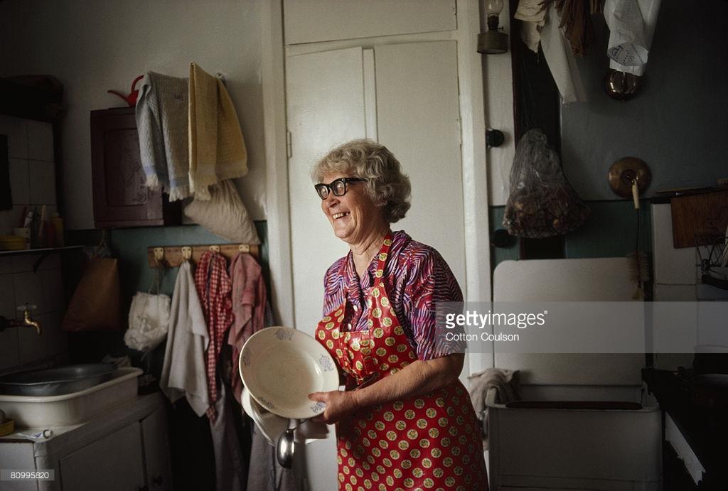 Привычки, которые выдают в вас человека из СССР. многие, привычки, старый, продукты, старые, привычка, часто, ничего, хлебом, много, можно, мусор, родом, просто, вроде, времени, чтобы, время, какимнибудь, пакет