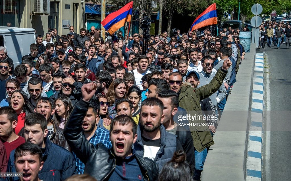 What are the Armenians there? April, Armenia, protesting, against, Yerevan, by police, Subscribe, Sargisyan, who, streets, protest, Yerevan, Nikol, now, can, cordon, police, prime minister, dozens, some