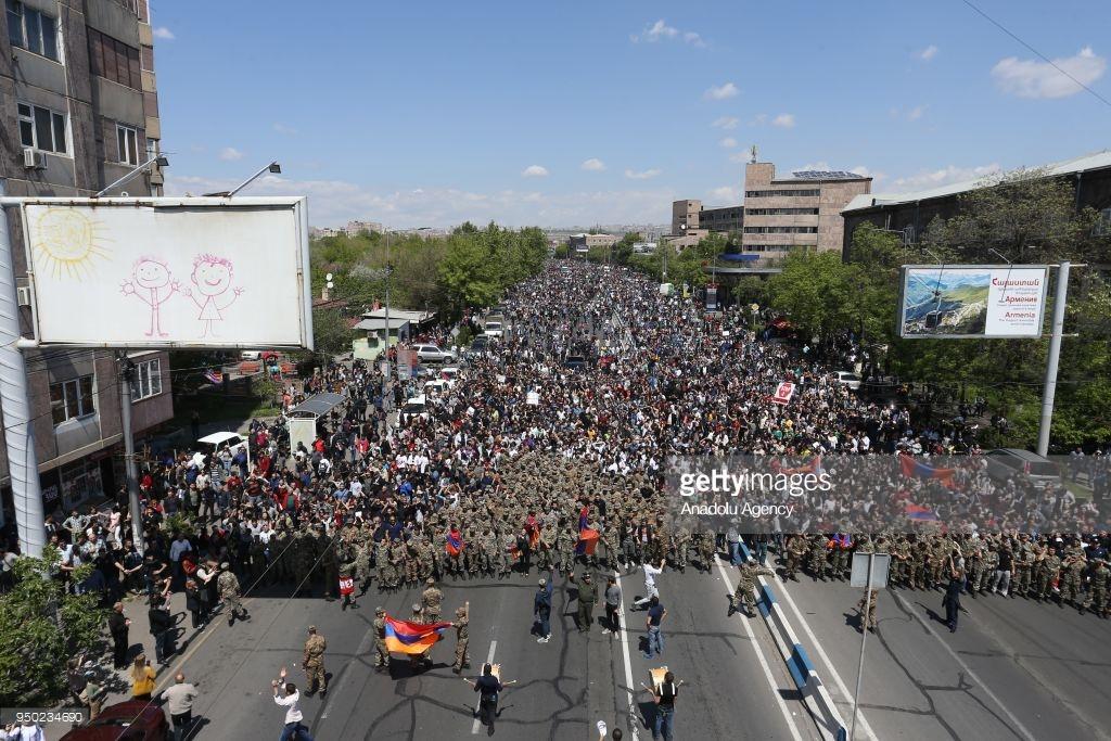 В Армении началась революция (фото).