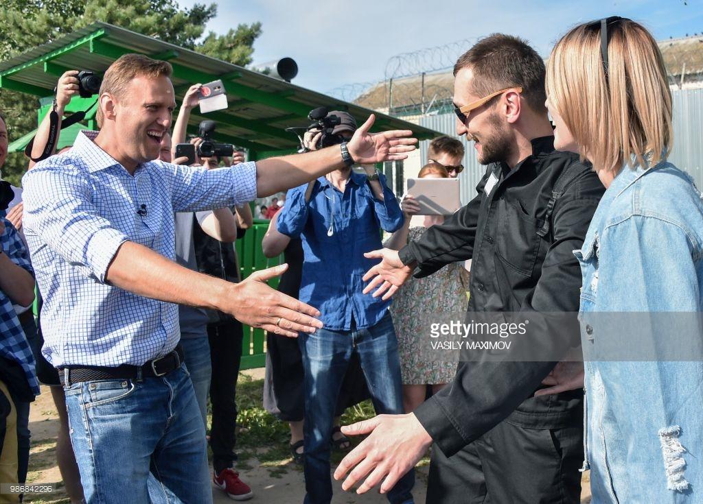 Олег Навальный на свободе.