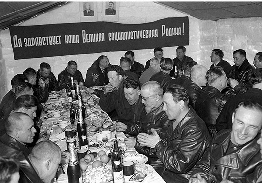 СССР — страна всеобщего надзора. только, надзора, паспорта, неугодных, паспорт, которые, интересно, угодно, Подписывайтесь, элементов, советской, получить, самом, выдавали, стали, годов, 1930х, какоето, своих, больше