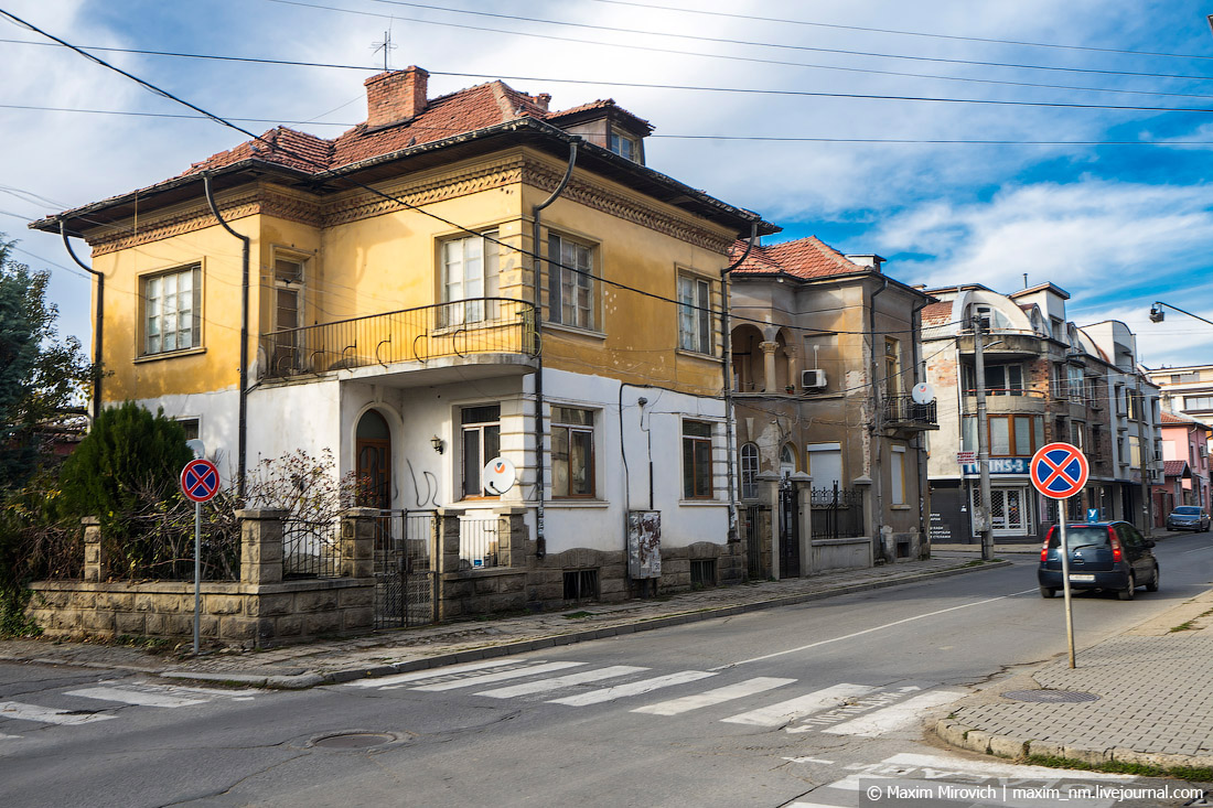 Миф о «загнивающей Восточной Европе». Болгарии, Карлово, часто, очень, весьма, здания, который, живёт, всего, давайте, самый, российских, загнивает, старого, Европа, кстати, можно, городок, чистые, выглядит
