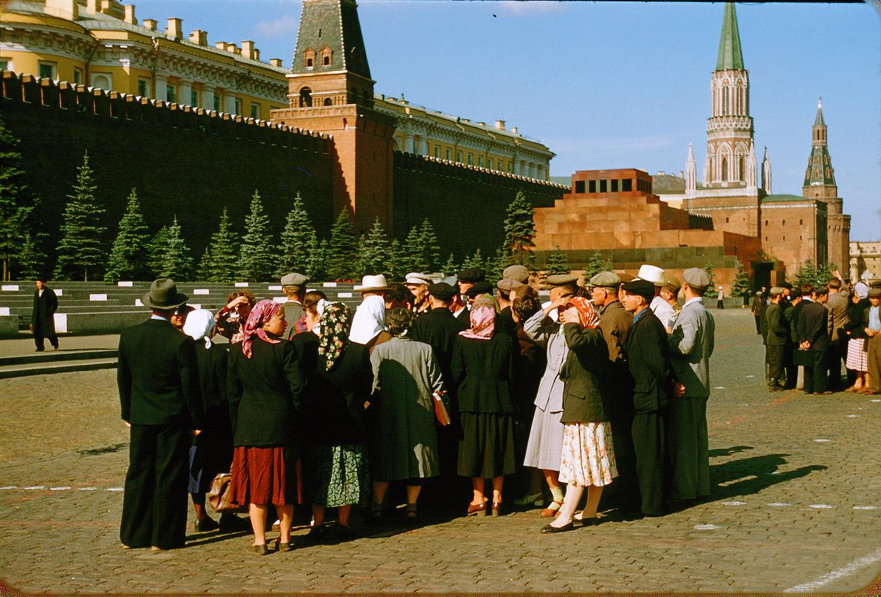 Что иностранец увидел в СССР. советских, советские, Дюпакье, пятидесятых, Подписывайтесь, годов, какието, граждане, просторных, светлых, провинции, жизни, которых, время, можно, друзья, интересно, увидел, фильмах, например