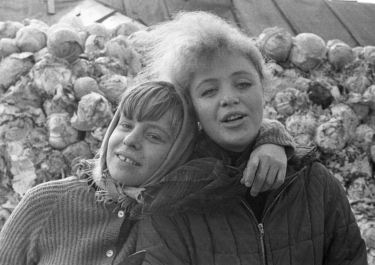 Позорные фото советского капустного рабства. советских, гнили, овощные, капусту, Подписывайтесь, можно, капусты, после, людей, капустной, отправляли, солдаты, рабства, капустного, советские, советского, например, крайне, сотрудники, плане