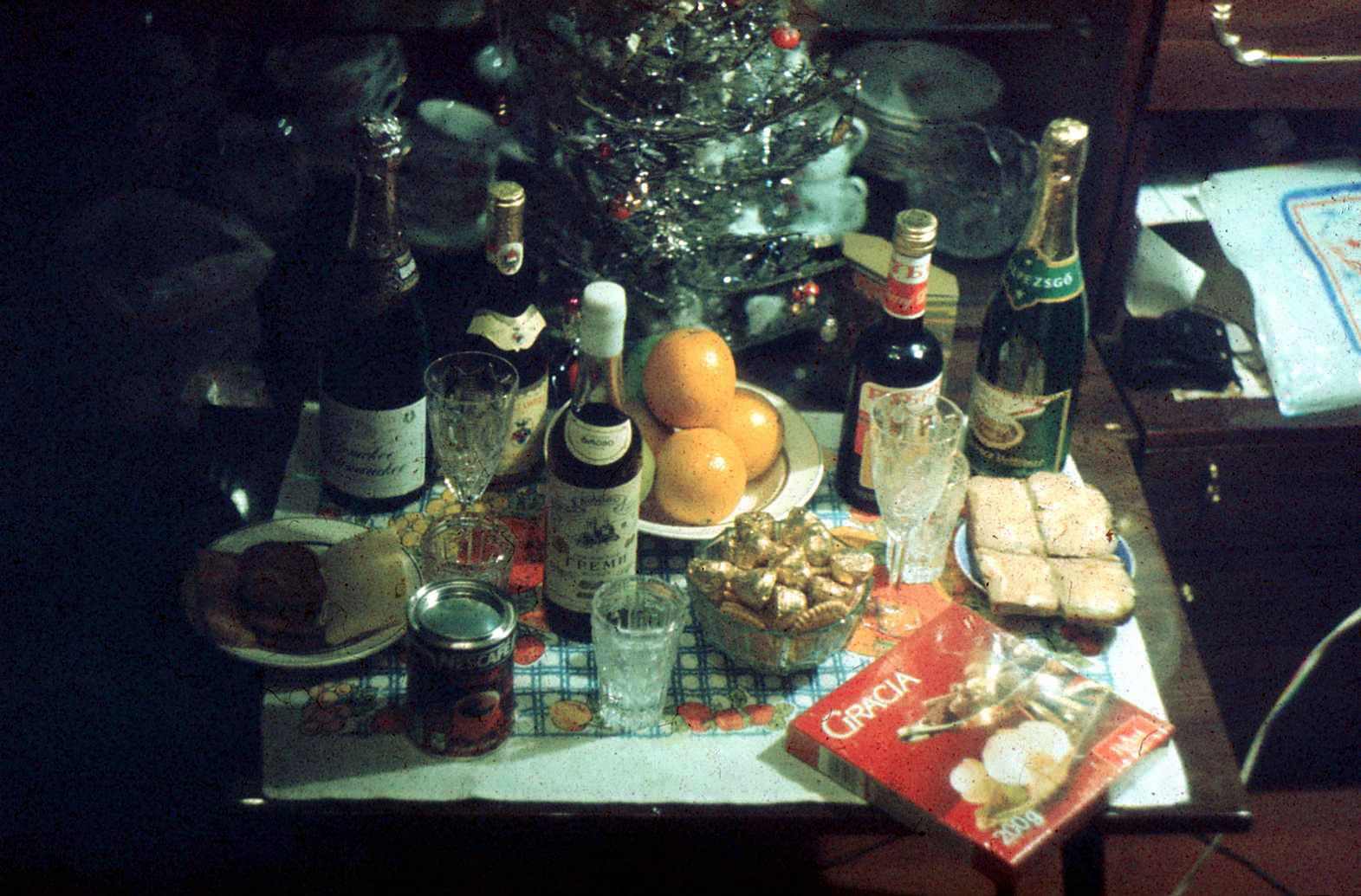 Нищета и бедность советского новогоднего стола. быт,праздники,Новый год,СССР