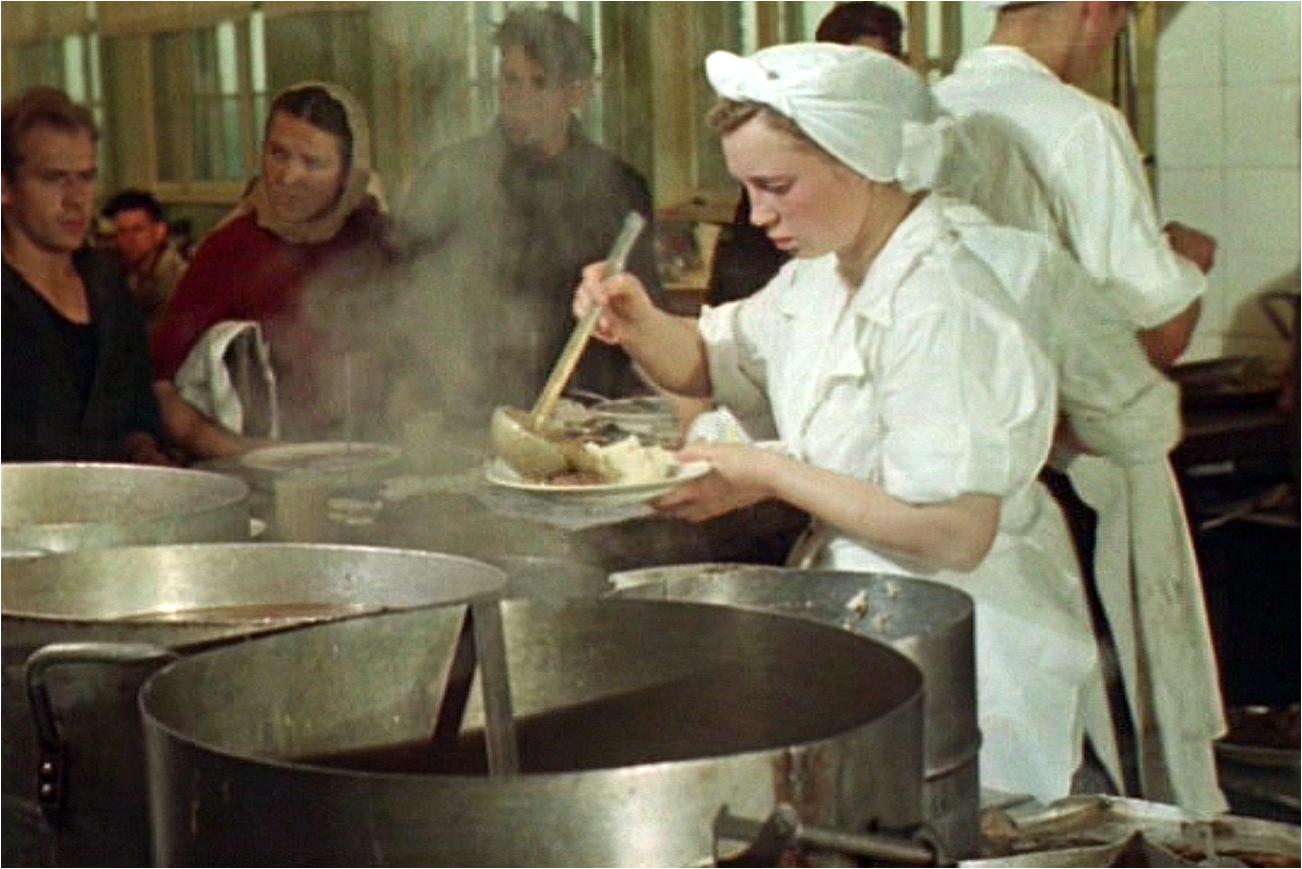 Чим насправді годували в їдальнях СРСР