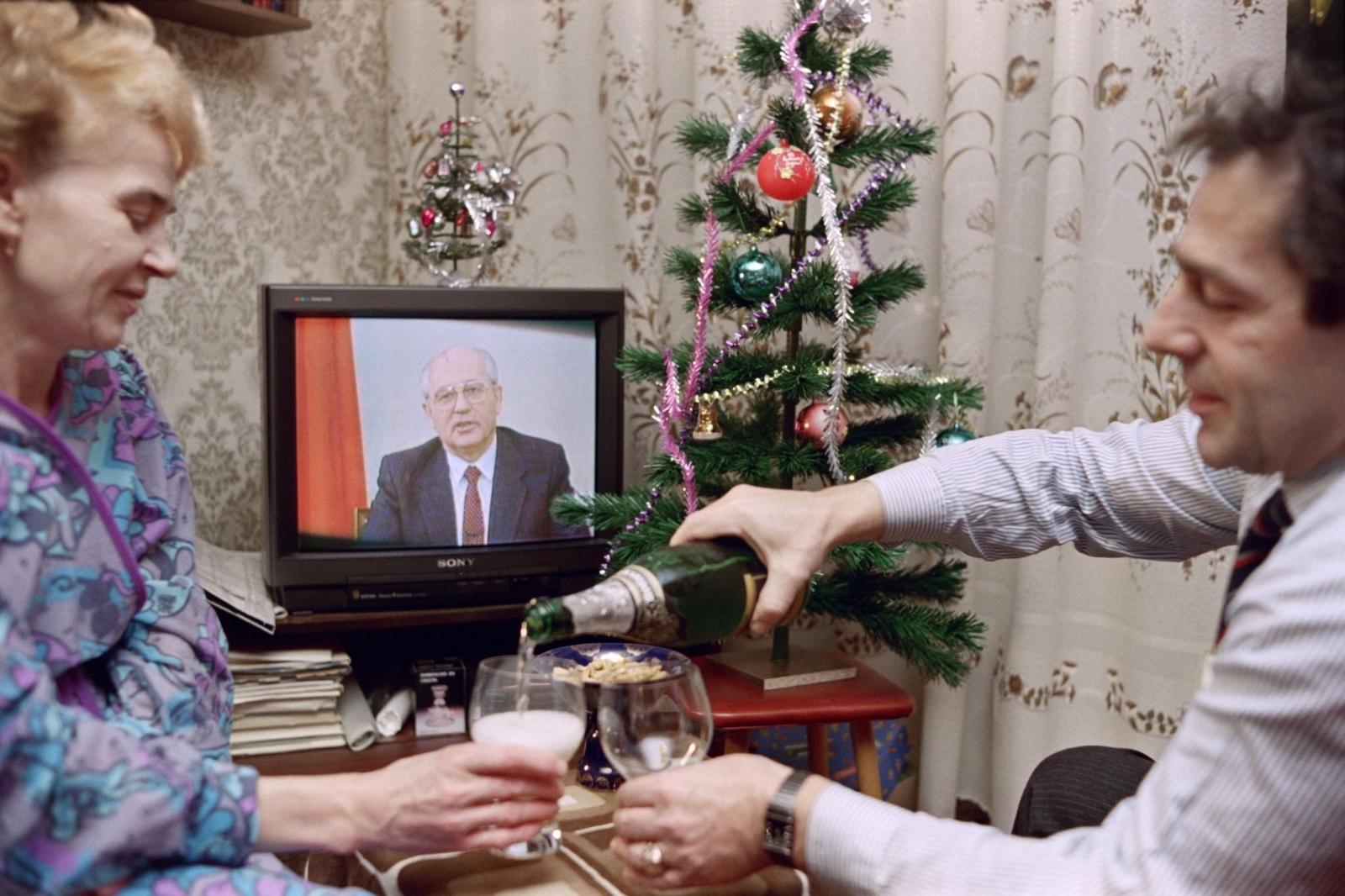 Ошеломляющие фото последних дней СССР.