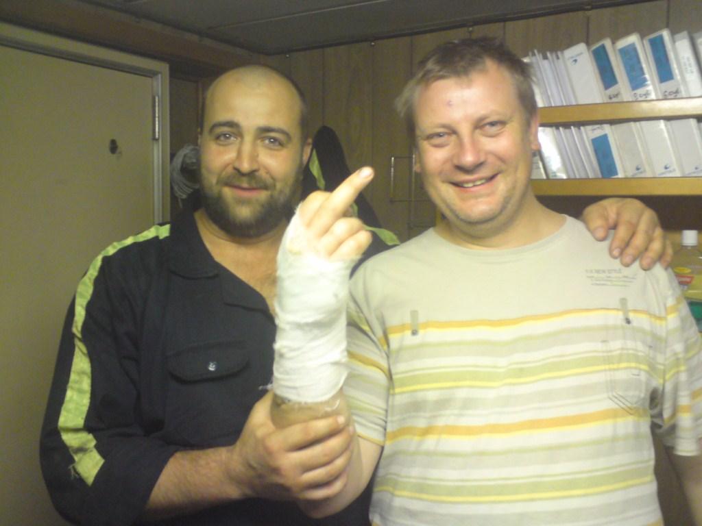 Юра сломал руку 3 [1024x768]