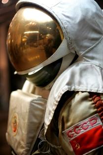 музей космонавтики 094 скафандр 4 вблизи 1