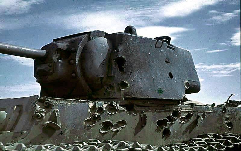 Bundesarchiv_Bild_169-0441,_Russland,_bei_Stalingrad,_Panzer_KW-1