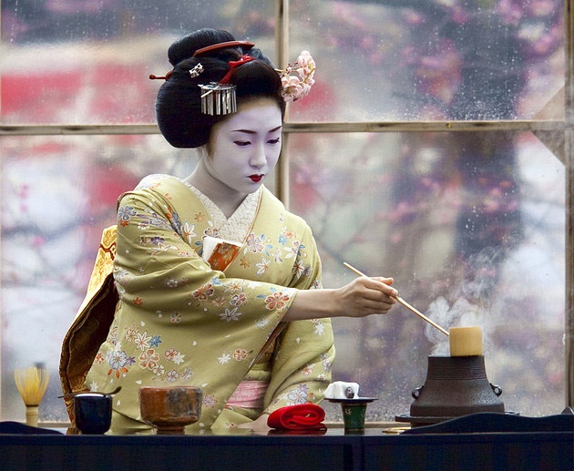 Какие старинные традиции и почему сохранились в современной японии