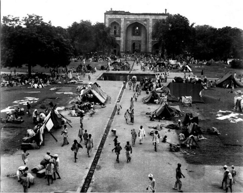 humayuns_tomb_1947-edited.jpg