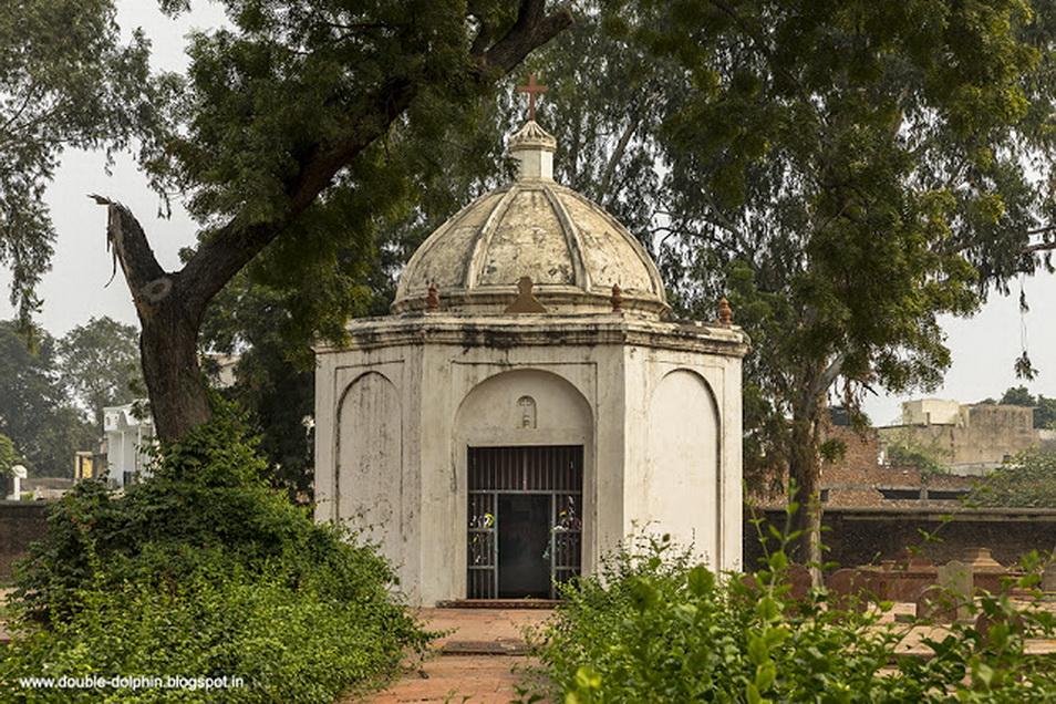 Agra Roman Catholic Marty's Chapel Khoja Mortinepus, an Armenian merchant.jpg