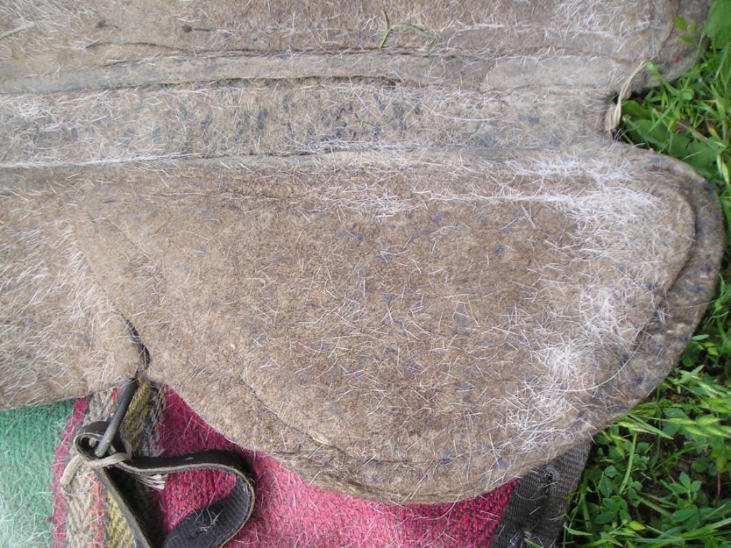 легкое войлочное седло