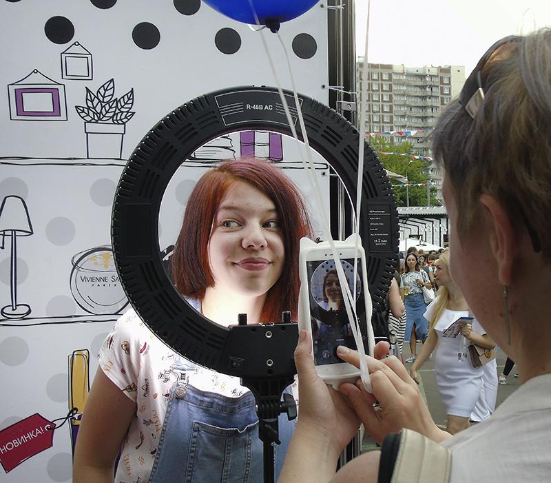 girl_v_svetovoi_ disk1_zatemn17_contrast23_hmhm_aB