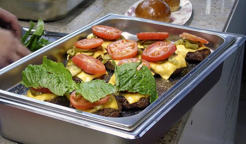 1burgers9_pomidors2_salat1_aB