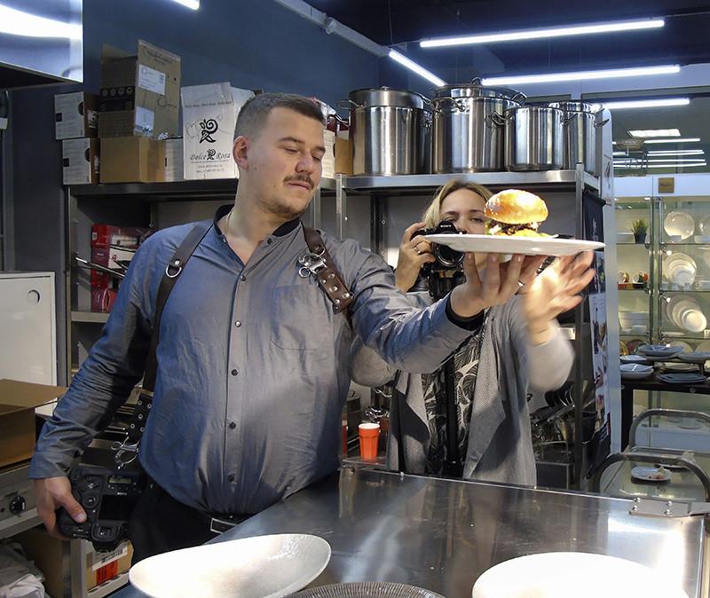 2burgers9_fotoing1B+_Cate+_aB