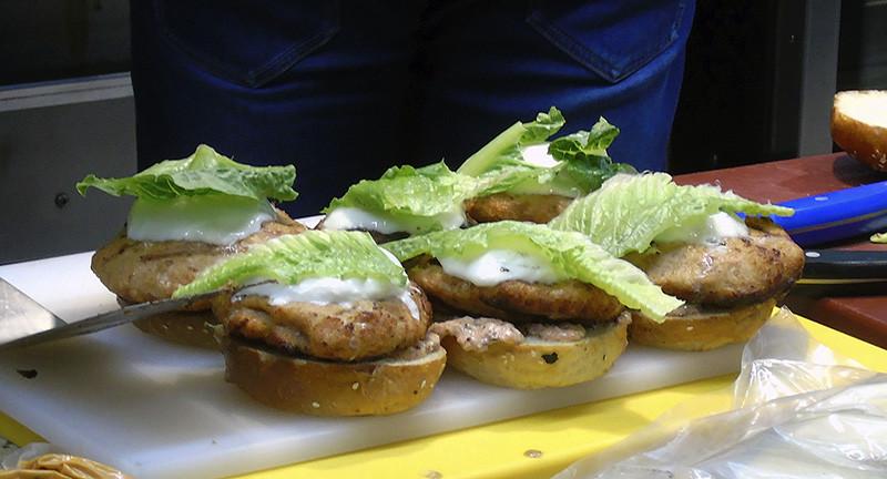 5burgers5_salat1A+_aB