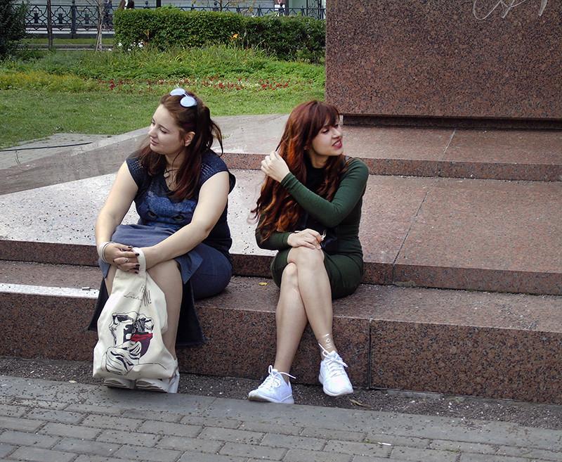 girls_pod_Tvardovskim1D_osvet_aB