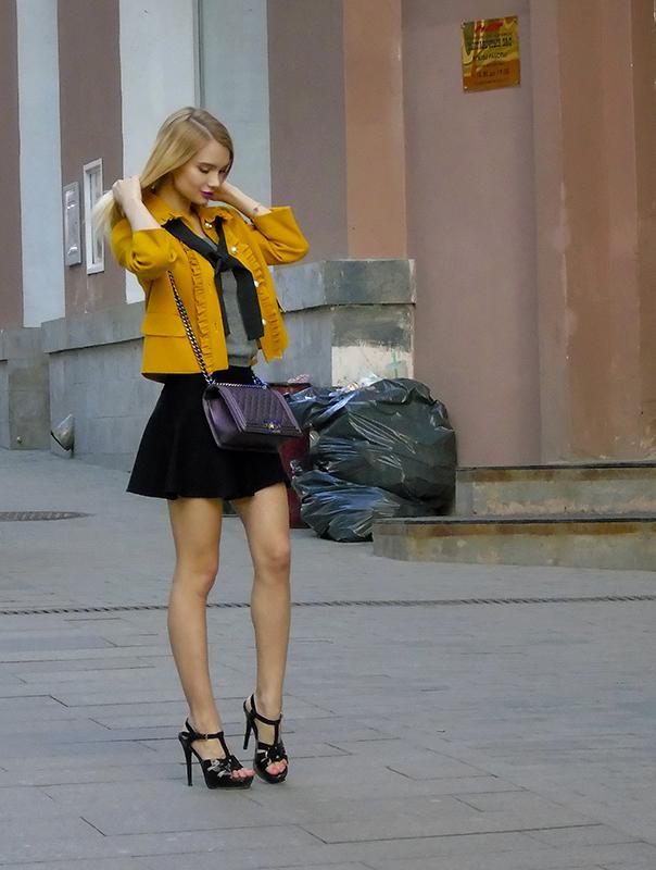 yellow_model3_vlevo1_2_osvet_aB