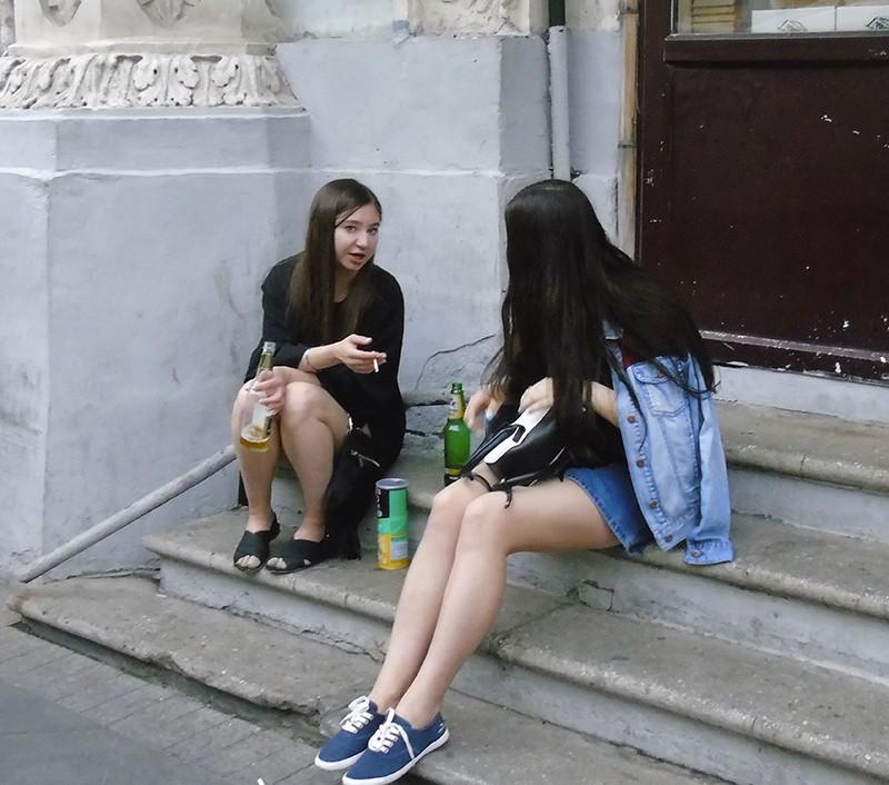 girls_i_beer1_1_osvet_zatemn20_aB