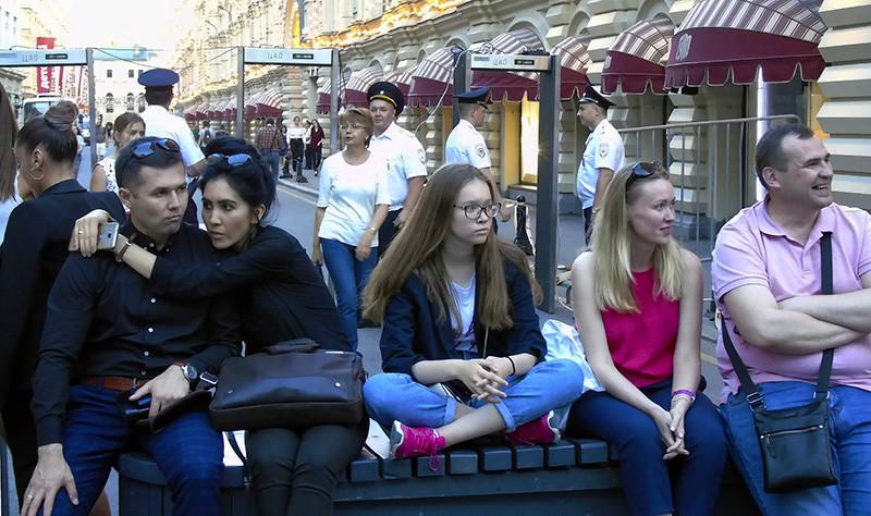 girls_u_ramok_Bogoyavlenskjy1A_aB
