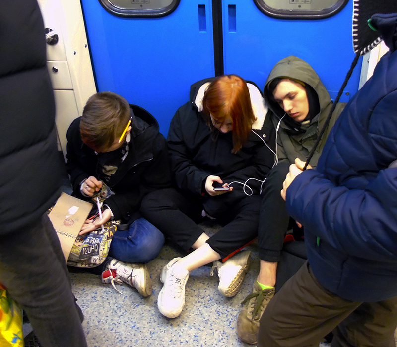 metro_na_polu1_zatemn66_contrast23_autocolour_aB