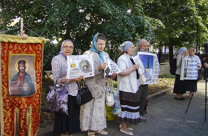 miting_pravoslavnyh4_zatemn18_osvet_aB