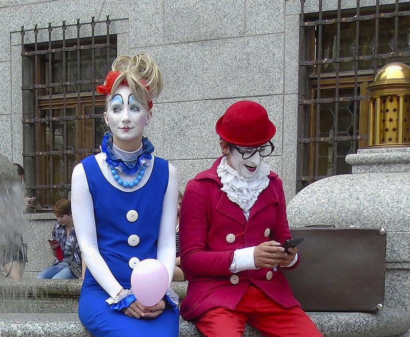 clowns1A+_2_zatemn23_zatemn26_osvet_aB