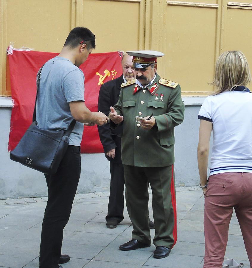 Stalin3_osvetl51_2_rezk_osvet_1_aC