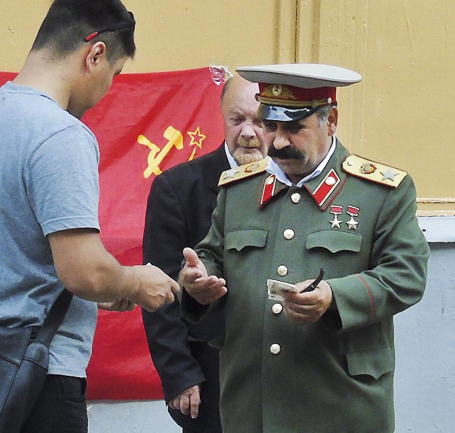 Stalin3_osvetl51_2_rezk_osvet_1_1aC