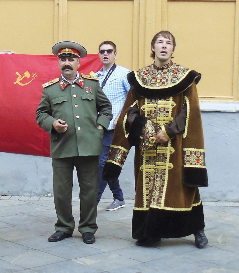 Stalin_i_Romanov1B_osvetl30_2aC