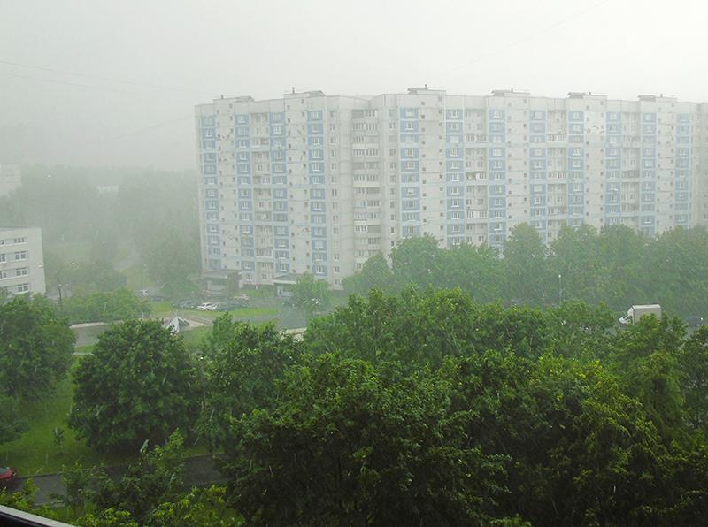 грозы теперь бывают чуть ли не каждый день 200620_rain1_osvet_aB