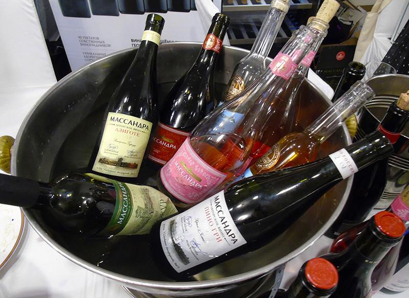 Massandra1_bottles2_vederko1_aB