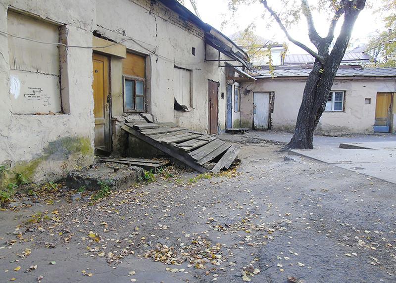 16c13_Milyutinsky2_podval1A+_aB