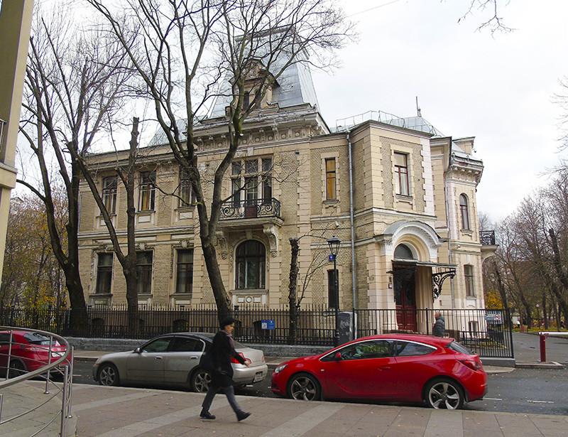 6_Ogorodnaya_Vysotsky_Tea_Krupskaya1B+_aB
