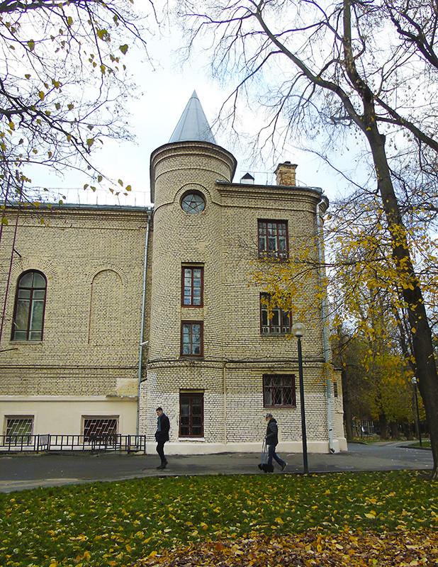 6_Ogorodnaya_Vysotsky_Tea_Krupskaya6_zvezda_corner2A+_aB