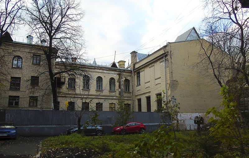 6_Ogorodnaya_Vysotsky_Tea_Krupskaya9_szadi1_aB