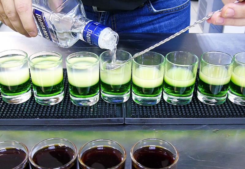 2_coctailes4_vodka1F+_aB