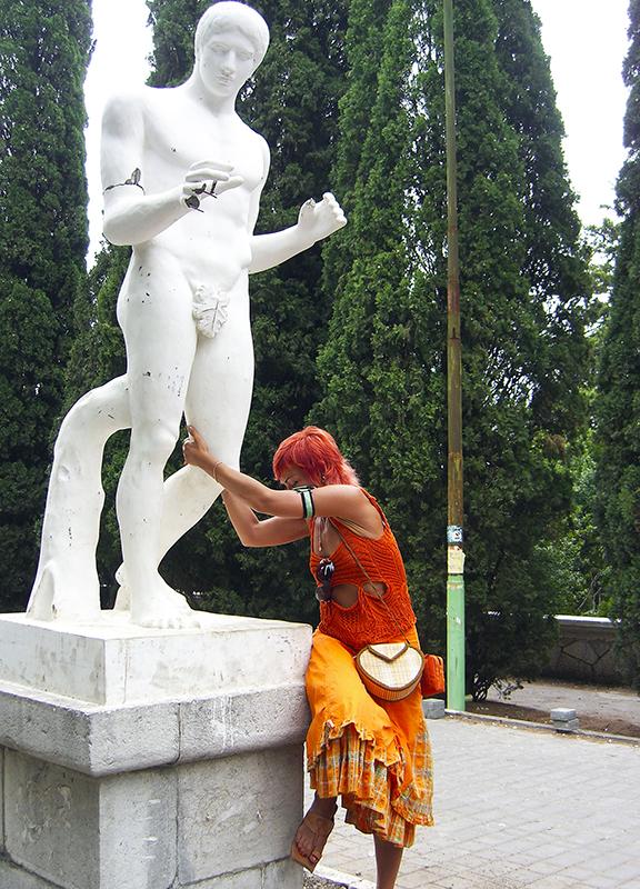 orange_girl_u_sculpture1A_aB