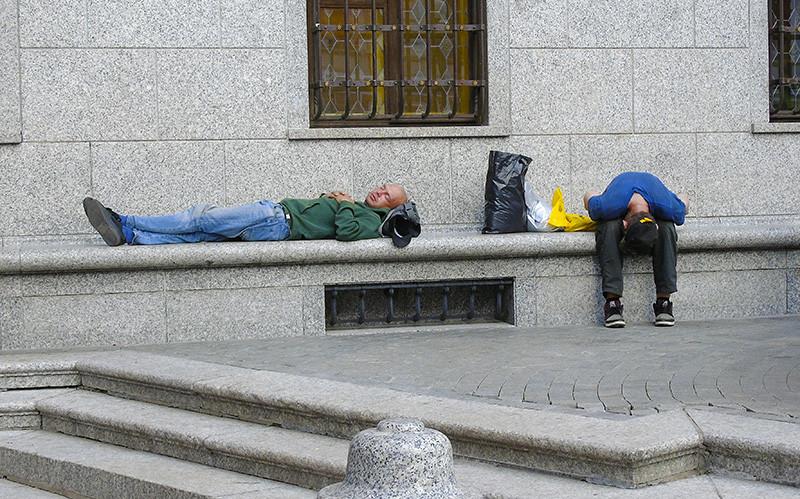 sleeping_za_fontanom2A+_aB