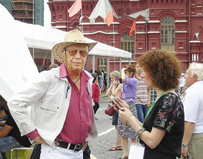 sir_hat_i_kudryav_lady1B+_osvetl33_osvet_aB