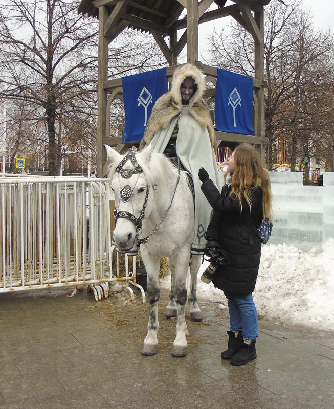 white_horse1_girl1_aB