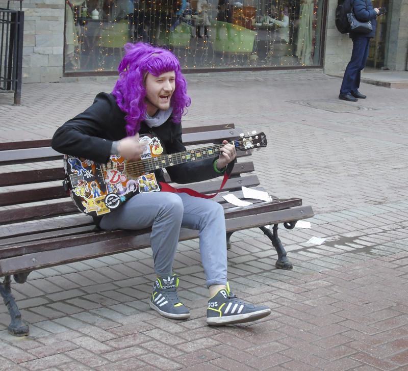 lilovy_gitarist1A_aB